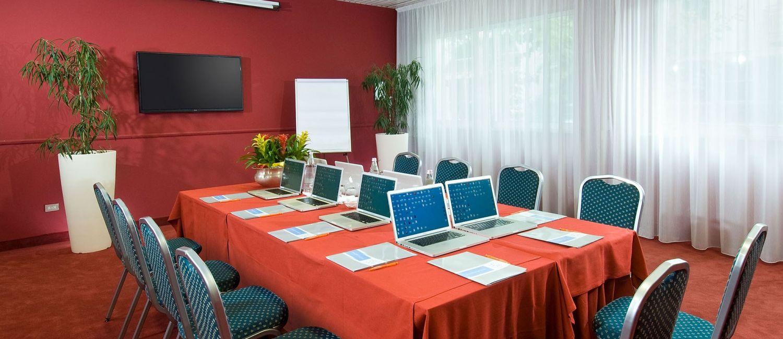 meeting riccione sala Sala meeting professionale  è l'albergo preferito anche da aziende che cercano un albergo 3 stelle a riccione con sala meeting per organizzare congressi e .